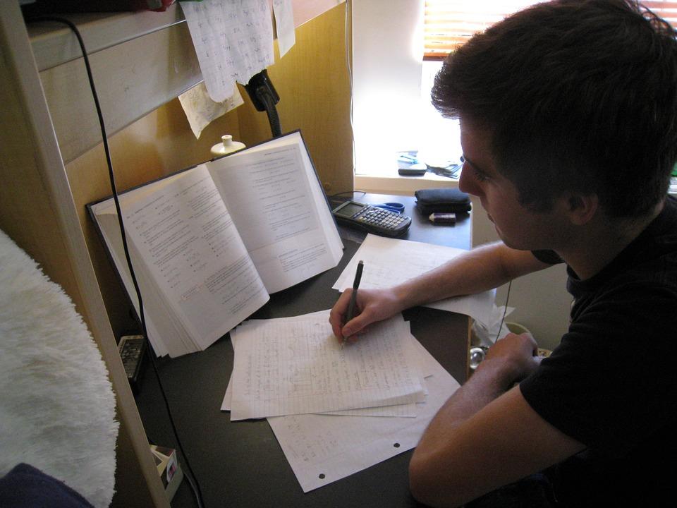 Diploma a distanza per studenti online